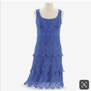 Pyramid collection lace dress